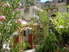 5 studios to rent In Nice residential area