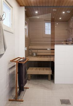 Sauna the modern way Bathroom Spa, Laundry In Bathroom, Bathroom Interior, Modern Bathroom, Bathroom Toilets, Sauna Steam Room, Sauna Room, Saunas, Basement Sauna