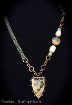 http://juliannahudgins.com/wp-content/uploads/2013/10/PM-Jewel-Loom-Necklace-2.jpg