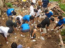 I chose this picture because this picture show how those people cleaning the environment as a global citizen.  They connected as one team to help keep there environment clean and safe.