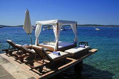 Bonj Les Bains Beach Club Hvar_Pontoon