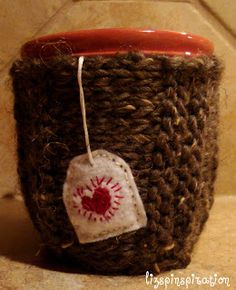 Pinspiration: Pin 108  How to make cup cozies using all that leftover yarn from other projects.  Very Cute!