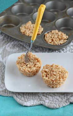 Small Batch Rice Crispy Treats: Portion control! Makes 4 muffin size treats.  1 tablespoon unsalted butter  1¼ cups mini marshmallows 1½ cups rice crispies