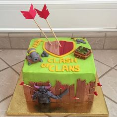 Clash Games provides latest Information and updates about clash of clans, coc updates, clash of phoenix, clash royale and many of your favorite Games 13th Birthday Parties, Themed Birthday Cakes, 10th Birthday, Fab Cakes, Cute Cakes, Torta Clash Royale, Royal Cakes, Royal Party, Clash Of Clans