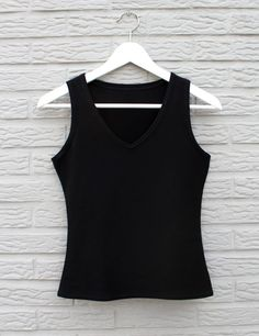 Me & Sew: SIMPLE TOP - FREE PATTERN only in one small size