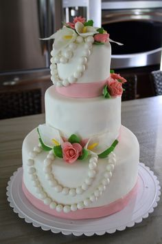 Pretty in pearls bridal shower cake