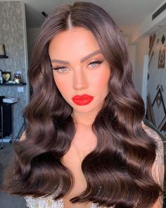Beauty Makeup, Hair Makeup, Hair Beauty, Red Lips Makeup Look, Bridal Makeup Looks, Curling, Hair Dos, Gorgeous Hair, Prom Hair