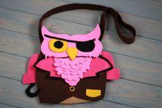 Korsan Baykuş çantamızın fiyatı 30 TL dir. dilediğiniz her renk ve boyutta yapılabilmektedir. sipariş için : gzdeabay@hotmail.com dan benimle irtibata geçiniz :) Kapıda ödeme seçeneği mevcuttur.