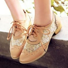 Lace oxfords // love oxfords shoes