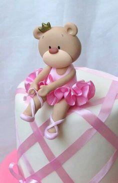 Babyscuit Love Cake Topper, Cake Topper Tutorial, Fondant Tutorial, Fondant Figures, Polymer Clay Dolls, Polymer Clay Crafts, Torte Ballerina, Baby Pasta, Ballet Cakes