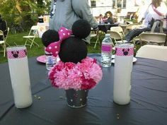 minnie mouse center piece in pink