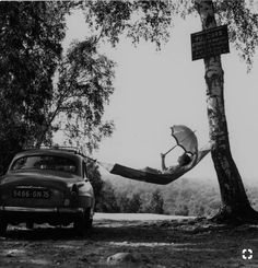 "hauntedbystorytelling: "" Robert Doisneau :: Paulette Dubost pose for Simca, 1959 (from Advertisement portfolio) more [+] by this photographer "" Robert Doisneau, White Picture, Black White Photos, Black And White Photography, Vintage Photography, Street Photography, Art Photography, Photography Office, Fotografia Social"