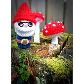 Ravelry: Mr Gnome plush toy pattern pattern by knitterbees