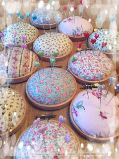 Embroidery hoop pincushion / pin cushion via Etsy. Reminder of another idea I've seen. Use canning ring, stuffing between lid and cloth, hot glue. Easy pin cushion. For the next time I want to make one.