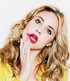 Leah Pipes Brasil on The Originals Camille, Danielle Campbell The Originals, Beautiful Celebrities, Gorgeous Women, Gorgeous Lady, Beautiful People, Maisie Richardson Sellers, Leah Pipes, Vampire Daries