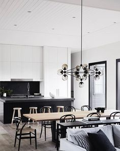 Absolute perfection at this Mornington Peninsula House at Main Ridge @designstuff styling by @studiomoore and built by @bernie_everett_building design by @studiogriffiths photography by @Sharyncairns