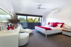 Mmm…..some raspberry color in bedroom for passionate personality.