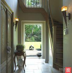 Sels Exclusieve Villabouw - Herenboerderij Schoten - Hoog ■ Exclusieve woon- en tuin inspiratie. Staircase Railing Design, Decoration, Entrance, Windows, Curtains, Places, Interior, Home Decor, Lush
