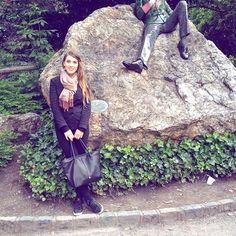 ✨When I was chilling with Oscar. ☘ Temporary link to the 📽video is in my bio. #OscarWilde #LuciaTravels #LuciasSummerInIreland #Dublin #tbt #Ireland #EmeraldIsland