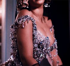 Beyoncé in Partition music video Boujee Aesthetic, Badass Aesthetic, Bad Girl Aesthetic, Aesthetic Videos, Aesthetic Vintage, Aesthetic Pictures, Queen B, Burlesque, Pretty