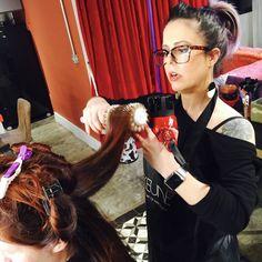 Escovando cabelo - Studio Paola Gavazzi