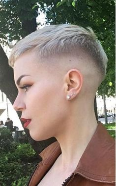 Short Shaved Hairstyles, Short Pixie Haircuts, Short Hair Cuts, Short Hair Styles, Undercut Hairstyles, Pixie Cuts, Pixie Hairstyles, Shaved Pixie, Half Shaved Hair