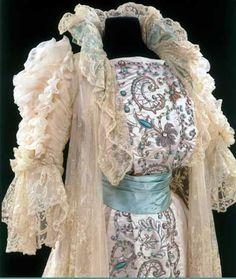 Maggy Rouff - Ensemble Robe et 'Manteau' pour le Thé - Damassé de Soie, Broderies, Perles et Dentelle - Vers 1900