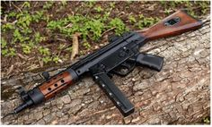 Firearms of note and ridicule - Page 74 - Weapons other than Tanks (WOTTs) Military Weapons, Weapons Guns, Guns And Ammo, Aigle Animal, Submachine Gun, Custom Guns, Custom Ar, Fire Powers, Cool Guns