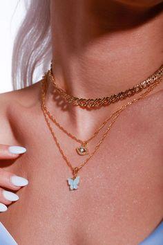 10 Jewelry Pieces to Spice Up Your Style Stylish Jewelry, Simple Jewelry, Cute Jewelry, Jewelry Accessories, Fashion Accessories, Jewelry Design, Jewlery, Women's Jewelry, Trendy Accessories