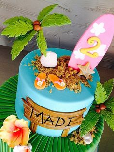 first birthday parties Hawaiian Birthday Cakes, Moana Birthday Party, Luau Birthday, Luau Party, Birthday Parties, Beach Cake Birthday, Moana Party, Hawaiian Party Cake, Moana Theme