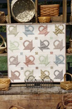 Little Baskets Quilt Small Quilt Projects, Quilting Projects, Quilting 101, Quilting Tutorials, Primitive Quilts, Antique Quilts, Baby Girl Quilts, Girls Quilts, Small Quilts