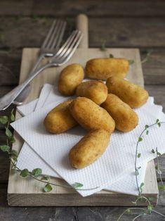 croquetas de pollo Bechamel, Empanadas, Sin Gluten, Pretzel Bites, Tapas, Real Food Recipes, Food And Drink, Potatoes, Bread