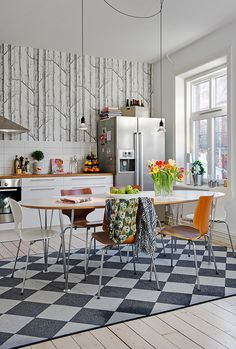 kitchen // wallpaper // table + chairs