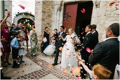 Wedding confetti  | Image by Nicolas Chauveau, read more http://www.frenchweddingstyle.com/wedding-in-montpellier-france/