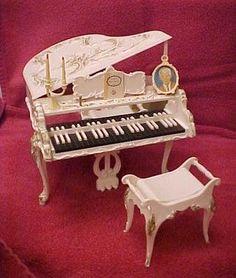 1964 vintage music box piano