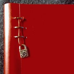 Read my detailed Filofax Clipbook review.