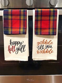 Such a cute idea for kitchen towels! Such a cute idea for kitchen towels! Dish Towels, Hand Towels, Tea Towels, Flour Sack Towels, Happy Fall Y'all, Vinyl Projects, Circuit Projects, Cricut Creations, Fall Diy