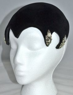 1930s Widow's Peak Hat