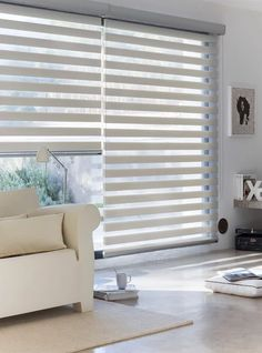 Decor: 10 Curtain Designs for you to get inspired! – You need decor - Modern Patio Door Blinds, Blinds For Windows, Curtains With Blinds, Bedroom Curtains, Sheer Curtains, Persiana Sheer Elegance, Stores Horizontaux, Cortinas Rollers, Home Living Room