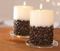 Existen velas en todas formas, colores y texturas, pero ¿qué te parecería combinar aroma y textura a la vez? En esta ocasión quiero compartir contigo el paso a paso para hacer una vela diferente. El espíritu del café en cuerpo y fragancia. La planta de café es originaria de Etiopía, de allí esta infusión se …