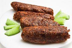 Mindennapi ételeink: Vegán szejtánkolbász házi korpás zsemlével Meatloaf, Banana Bread, Sausage, Vegetarian Recipes, Paleo, Vegan, Drink, Beverage, Sausages