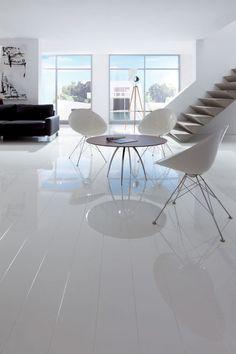 White Gloss Laminate Wood Floor
