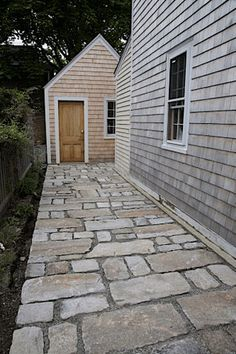 irregular stone paving