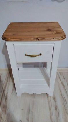 Nicole-decor / Nočný stolček