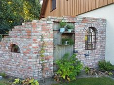 Wind and privacy screen ruin wall- Wind und Sichtschutz Ruinenmauer Wind and privacy screen ruin wall - Backyard Projects, Backyard Patio, Garden Projects, Garden Deco, Garden Art, Garden Design, Side Yards, Garden Boxes, Garden Cottage