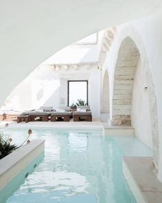 hotel arquitectura Inside some of the coolest hotels, including this white-washed stone in Ostuni in Puglia, southern Houses Architecture, Architecture Design, Baroque Architecture, Exterior Design, Interior And Exterior, Outdoor Spaces, Outdoor Living, Piscina Interior, Cave Hotel