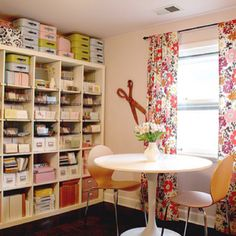 Craft room decorating ideas. Via makingitlovely.com