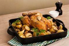 Helstekt kylling med poteter og sopp Turkey, Meat, Food, Turkey Country, Essen, Meals, Yemek, Eten