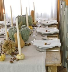 A fall harvest table setting can be a wonderful choice, especially if you use items from your garden 30 Thanksgiving Table Setting Ideas For A Festive Décor Celebration Fall Table Settings, Thanksgiving Table Settings, Thanksgiving Centerpieces, Thanksgiving Ideas, Holiday Ideas, Place Settings, Thanksgiving Celebration, Pumpkin Centerpieces, Autumn Ideas