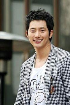 park shi hoo Korean Tv Shows, Korean Actors, Korean Dramas, Sun Lee, Park Si Hoo, Song Hye Kyo, Smile Everyday, Hyun Bin, New Star
